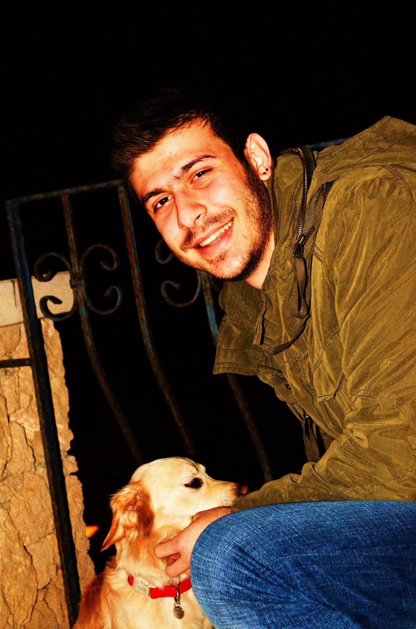 Ahmet Ö.